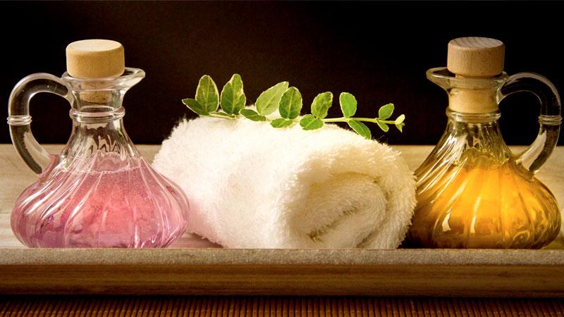 Peeling und Massage